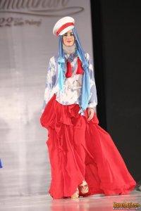 761da5c7-c6ef-4418-8422-479443710623_risty_tagor_saat_menjadi_model_dari_dian_pelangi_fashion_show_gandaria_city_sabtu_6_juli_2013-20130707-001-acat